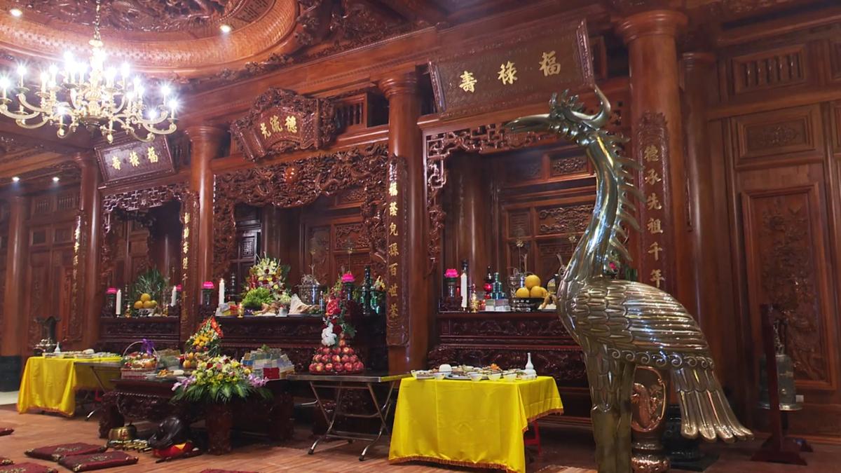 Bất động sản - Chiêm ngưỡng lâu đài mạ vàng gây choáng của đại gia Ninh Bình (Hình 8).