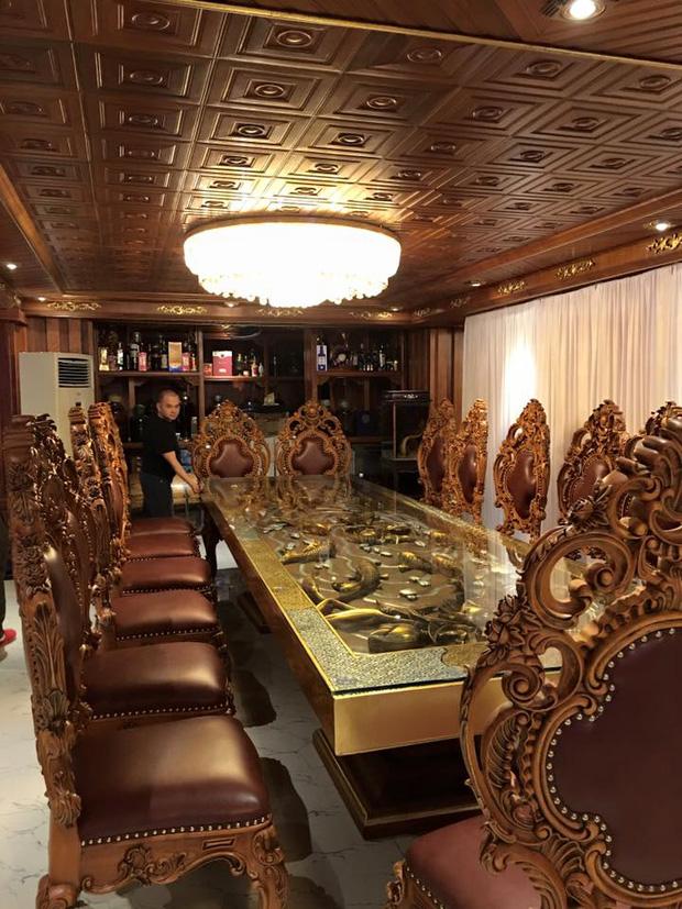 Bất động sản - Có gì bên trong lâu đài gà vàng nổi bật giữa Thủ đô của đại gia Thanh 'sắt'? (Hình 8).