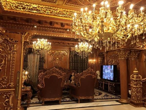 Bất động sản - Có gì bên trong lâu đài gà vàng nổi bật giữa Thủ đô của đại gia Thanh 'sắt'? (Hình 6).