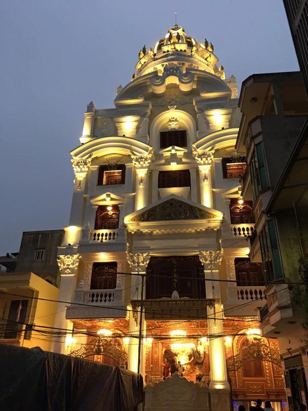 Bất động sản - Có gì bên trong lâu đài gà vàng nổi bật giữa Thủ đô của đại gia Thanh 'sắt'? (Hình 4).