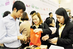 Hit by Covid-19, Vietnam enterprises turn to domestic market