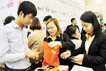 Hit by Covid-19, Vietnam enterprises turn to domestic market