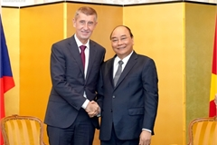 Vietnamese PM meets Czech, Bulgarian, Albanian leaders during Japan visit