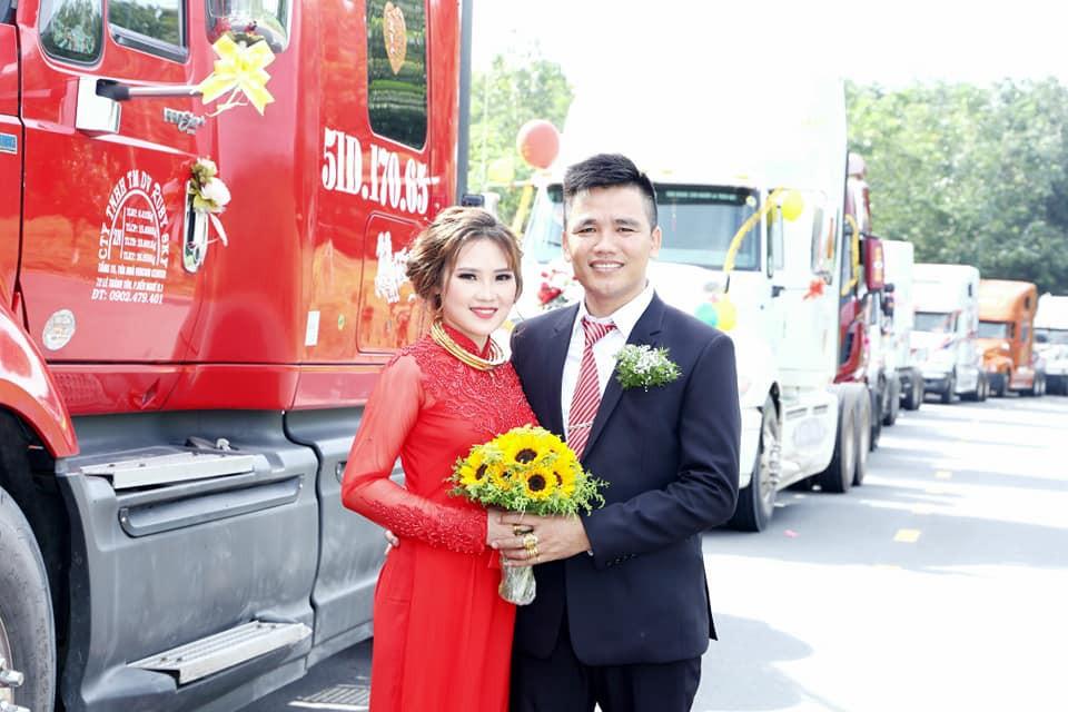Chú rể chơi sốc, rước dâu bằng đoàn xe đầu kéo container - Ảnh 5.