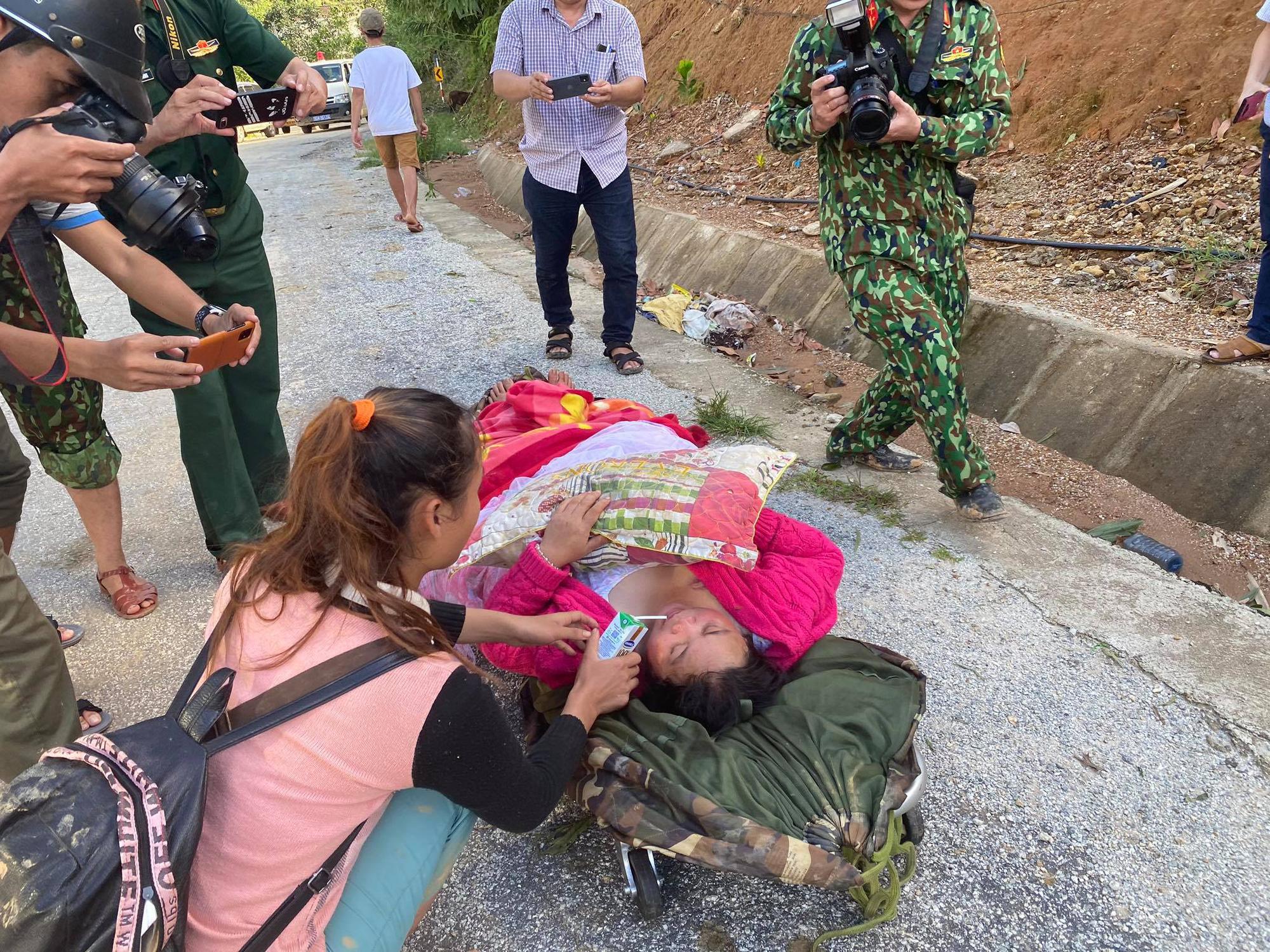 Vụ sạt lở núi vùi lấp ở xã Trà Leng: Cứu sống được 33 người - Ảnh 14.