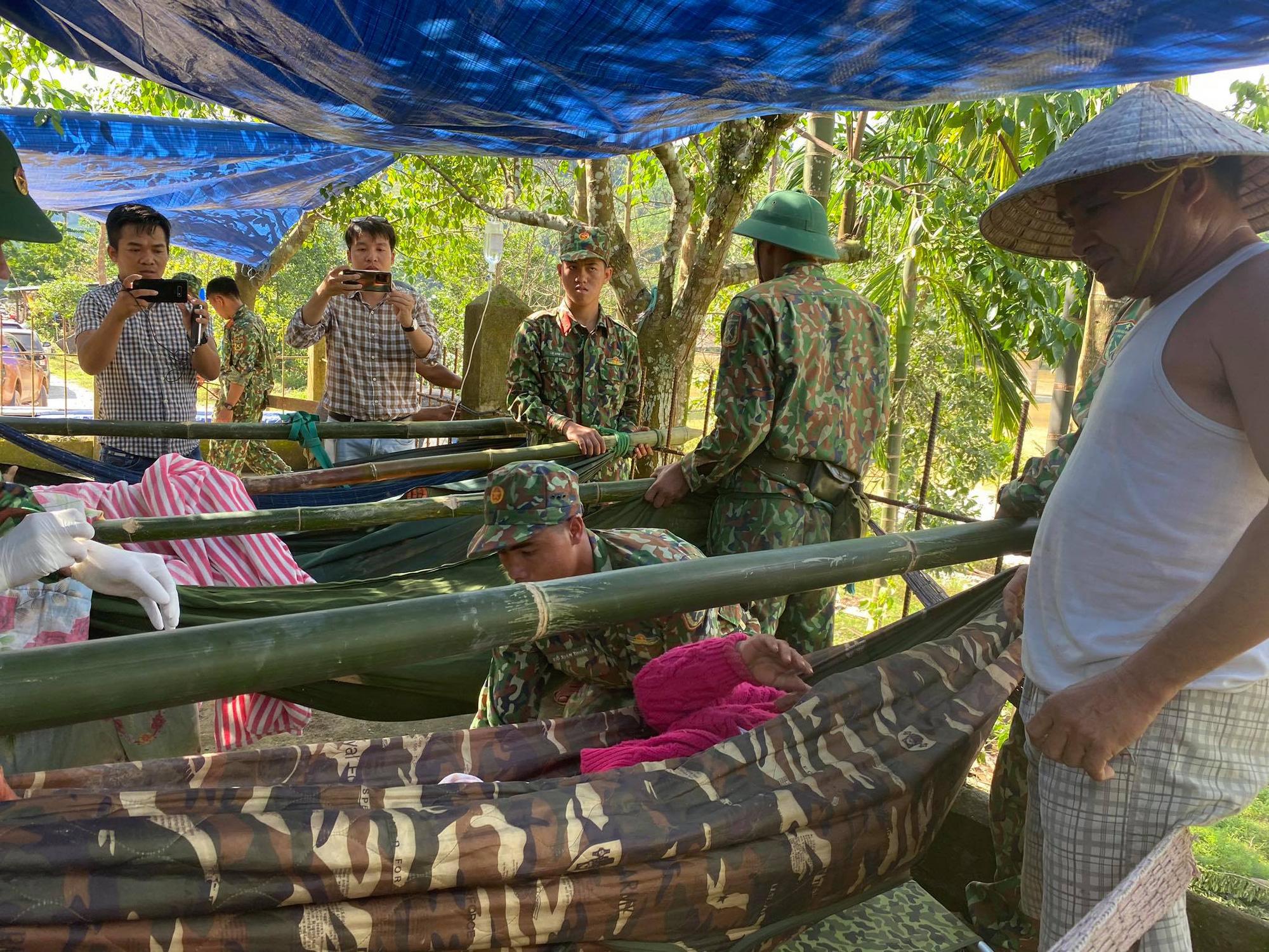 Vụ sạt lở núi vùi lấp ở xã Trà Leng: Cứu sống được 33 người - Ảnh 16.