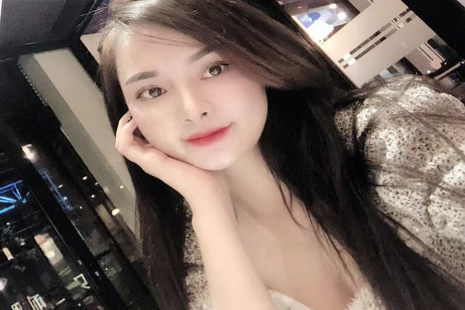 Hot girl 18 tuổi ở TP HCM cầm đầu đường dây bán dâm 30 triệu, sex tour trăm triệu đồng - Ảnh 1.