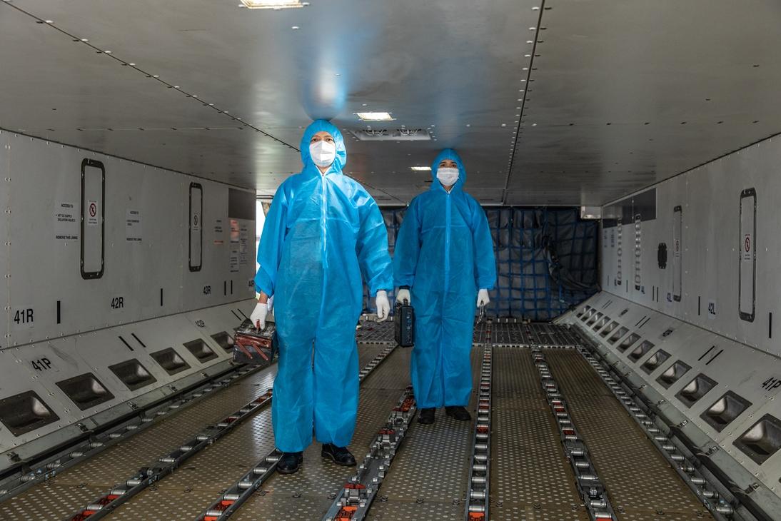 Công việc đặc biệt của thợ lau điều hòa máy bay - Ảnh 5.