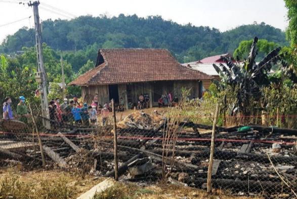 Cháy nhà ở tâm dịch Covid-19 tỉnh Điện Biên, bé trai 7 tuổi tử vong - Ảnh 1.