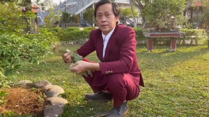 Các trang mạng xã hội của nghệ sĩ Hoài Linh tuột dốc không phanh - Ảnh 2.