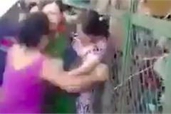 Không thấy hình ảnh nữ Trưởng Công an phường đánh dân ở chợ