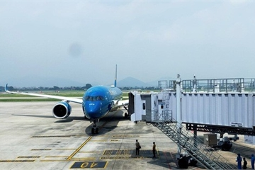 Thời tiết xấu, máy bay TP.HCM đi Đà Nẵng phải hạ cánh xuống Nha Trang