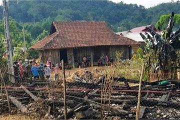 Điện Biên: Cháy nhà ở huyện Nậm Pồ trong đêm tối, bé trai 7 tuổi tử vong