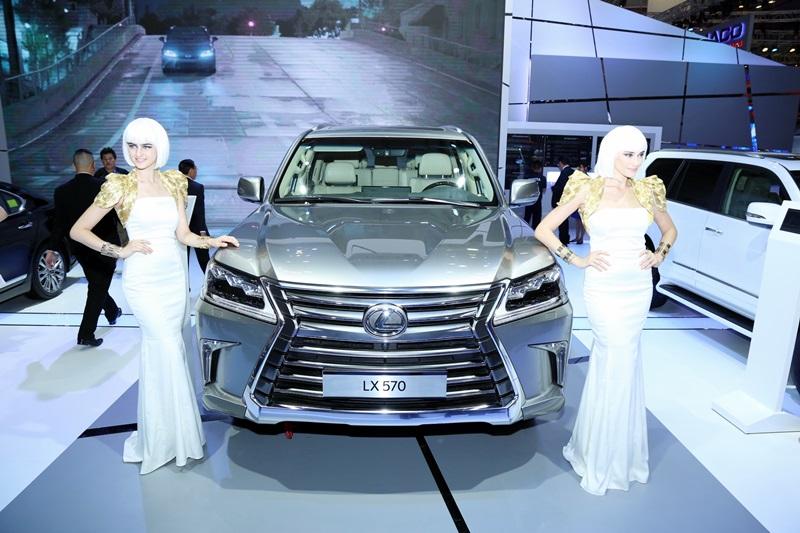Xe sang tại triển lãm ô tô Việt Nam 2016: Lexus độc bước - ảnh 1