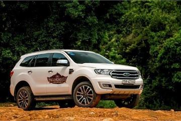 Từ 1,2 đến 1,4 tỷ đồng, chọn Mazda CX-8 hay Ford Everest?