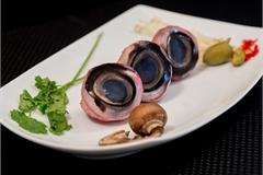Đứng tim với món ăn rùng rợn làm từ mắt cá ngừ