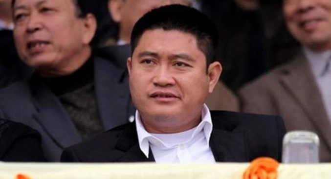 "Bau Thuy lot Top giau nhat TTCK: Dem gia san ""khung"" biet thu, sieu xe-Hinh-4"