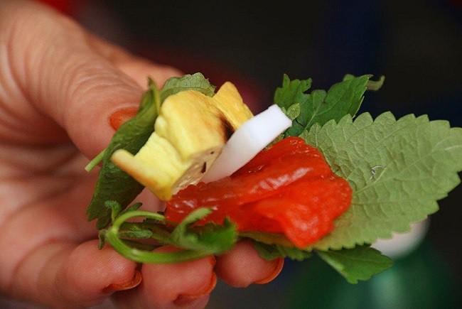 Dac san que vi nhu sashimi phien ban Viet... dan buon ban chay hang-Hinh-9