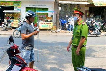 Cần Thơ: Phạt 18 người không đeo khẩu trang nơi công cộng