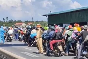 Chồng tử vong, vợ nguy kịch khi chạy xe máy từ miền Nam về Sơn La
