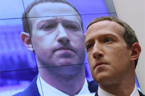 CEO Mark Zuckerberg chỉ trích 'nỗ lực phối hợp' nhằm bóp méo Facebook