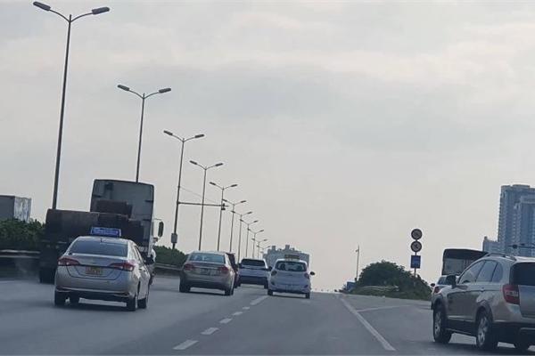 Tránh phạt nguội trên cao tốc, có nên lắp bộ giới hạn tốc độ?
