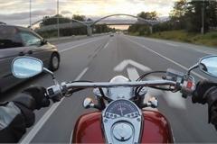 Giải pháp mới cảnh báo nguy hiểm cho người đi xe máy