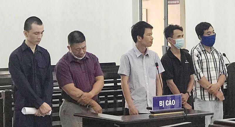 Xử 3 cựu công an 'biến' người Trung Quốc thành người Việt Nam - ảnh 1