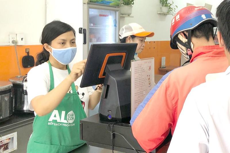 Nhà thuốc, siêu thị… phải kết nối máy tính tiền với cơ quan thuế - ảnh 1