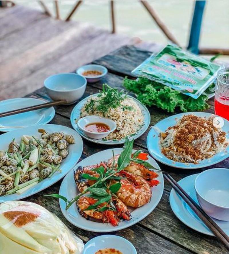 24 giờ, ăn gì tại Phú Quốc dưới 200 nghìn đồng - ảnh 1