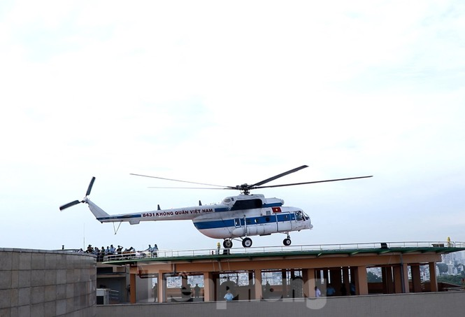 Cận cảnh sân bay trực thăng cấp cứu đầu tiên được cấp phép tại bệnh viện - ảnh 3