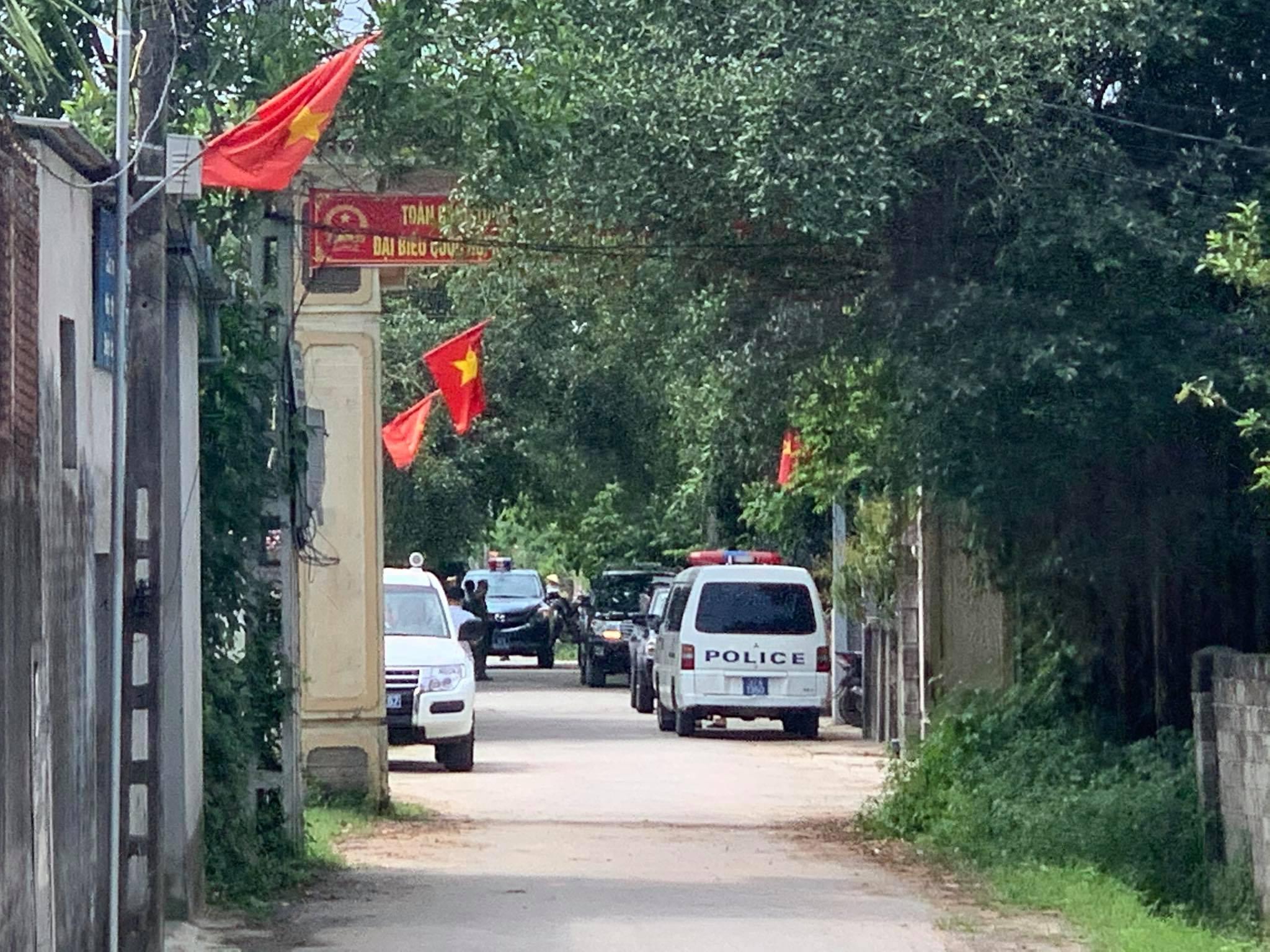 Vụ bắn người ở TP Vinh: Đại tá Công an kể thời khắc nghi phạm đầu hàng, giao nộp súng ảnh 1