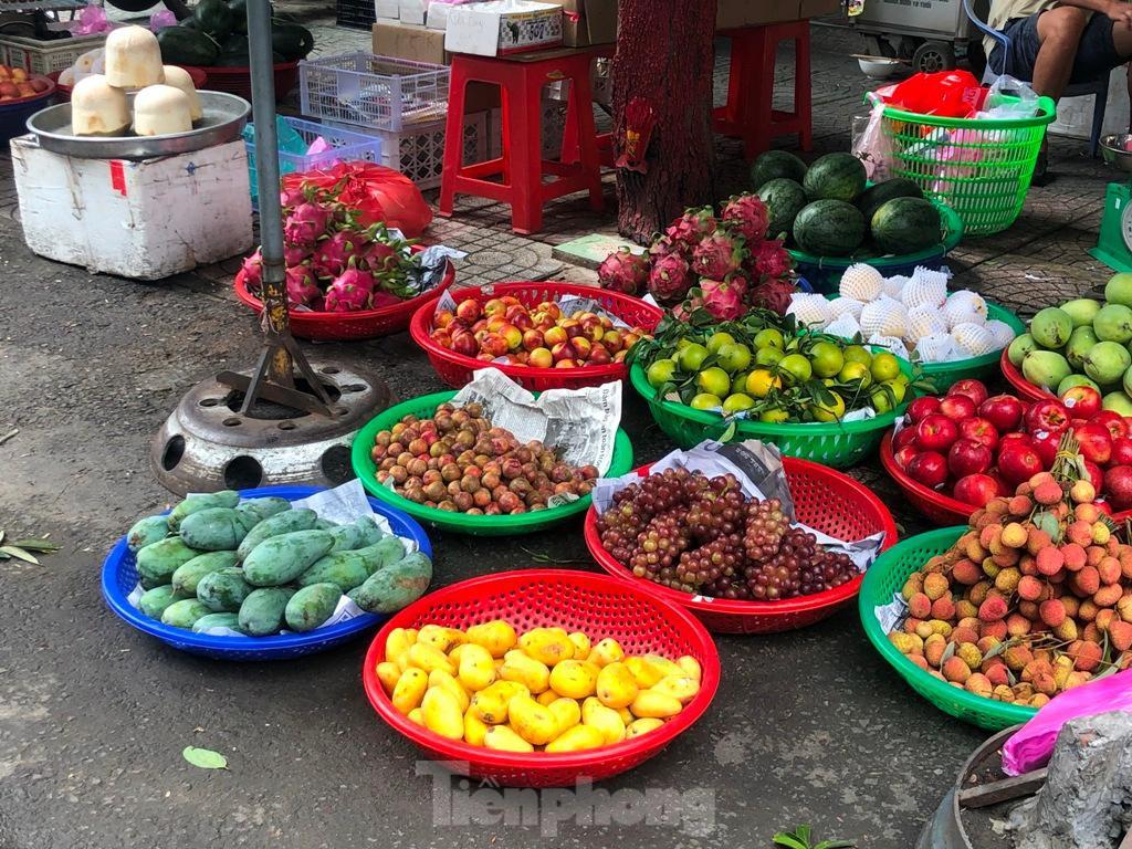 Xoài mini Trung Quốc gắn mác xoài cát ngập chợ Sài Gòn ảnh 4