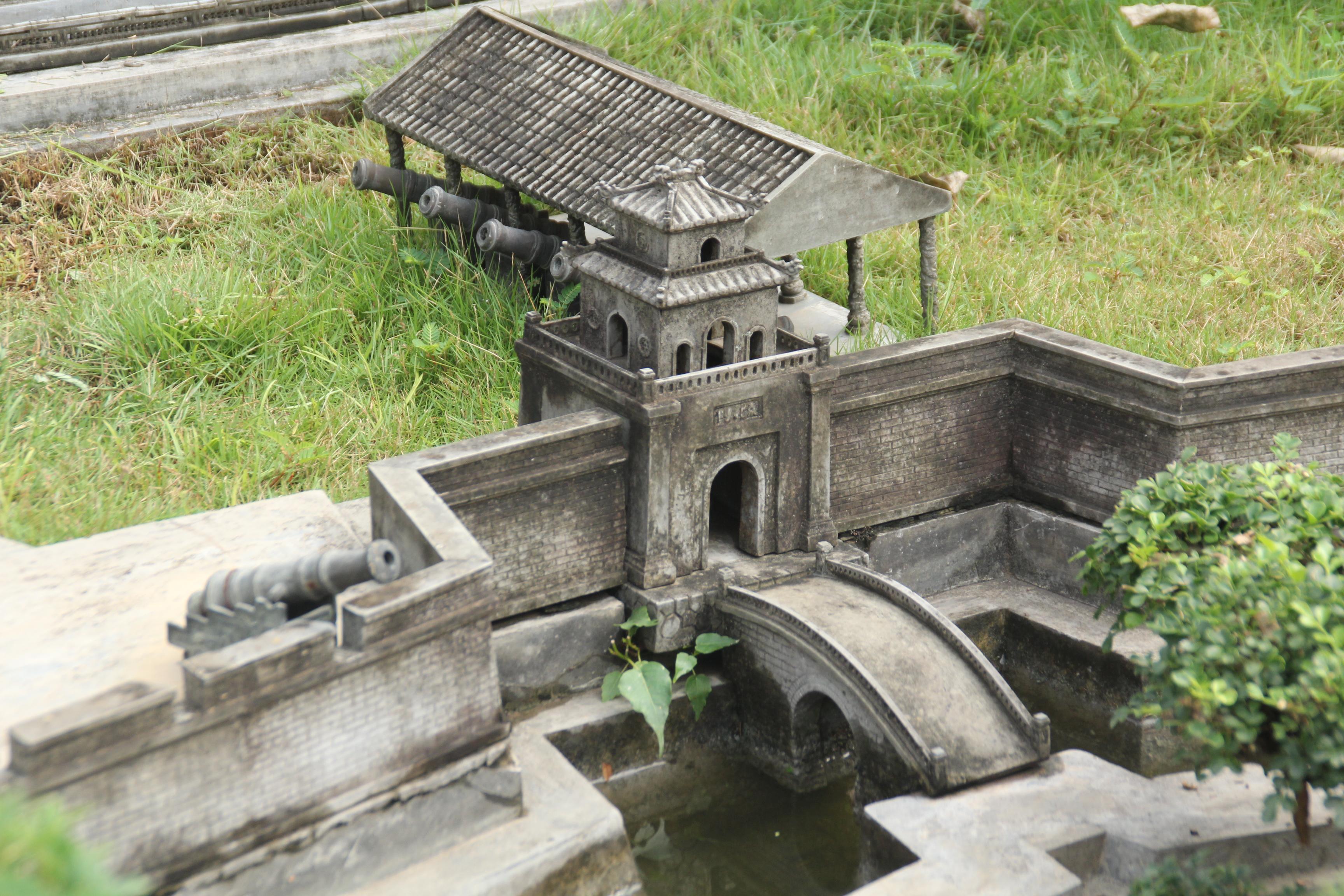 Vị tiến sỹ dành 7 năm phục dựng kinh thành Huế trên đất Sài thành ảnh 10