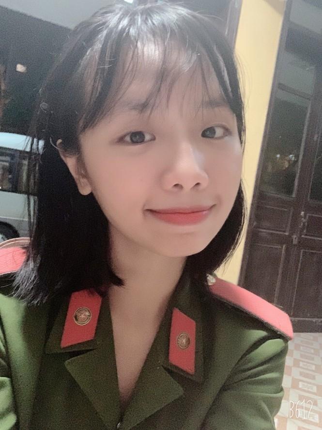 Nữ sinh cảnh sát đến từ Tuyên Quang có bảng thành tích dài kín trang A4 - ảnh 1