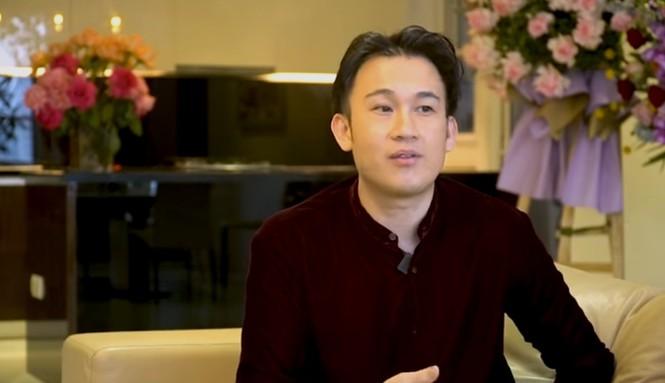 Dương Triệu Vũ tiết lộ Hoài Linh từng đi rửa chén thuê để nuôi em ăn học gây xúc động - ảnh 1