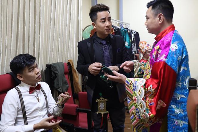 Diễn viên Trung Ruồi chia sẻ về đêm diễn Táo quân không khán giả và 'mệnh lệnh kín' - ảnh 3