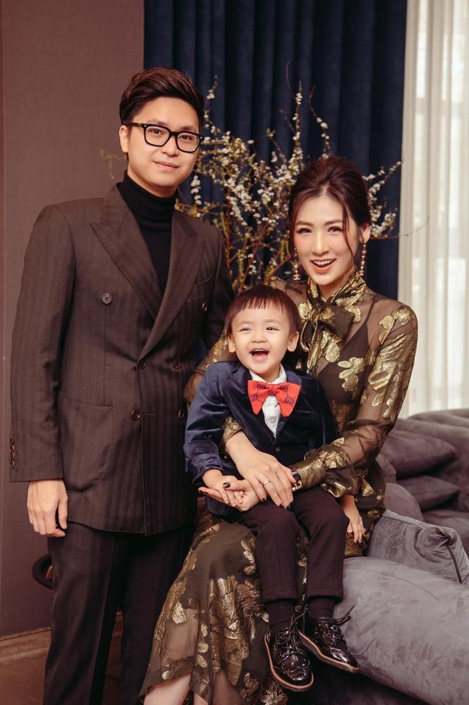 Top 3 HHVN 2012: Hoa hậu Đặng Thu Thảo và 2 á hậu đều có hôn nhân viên mãn - ảnh 12