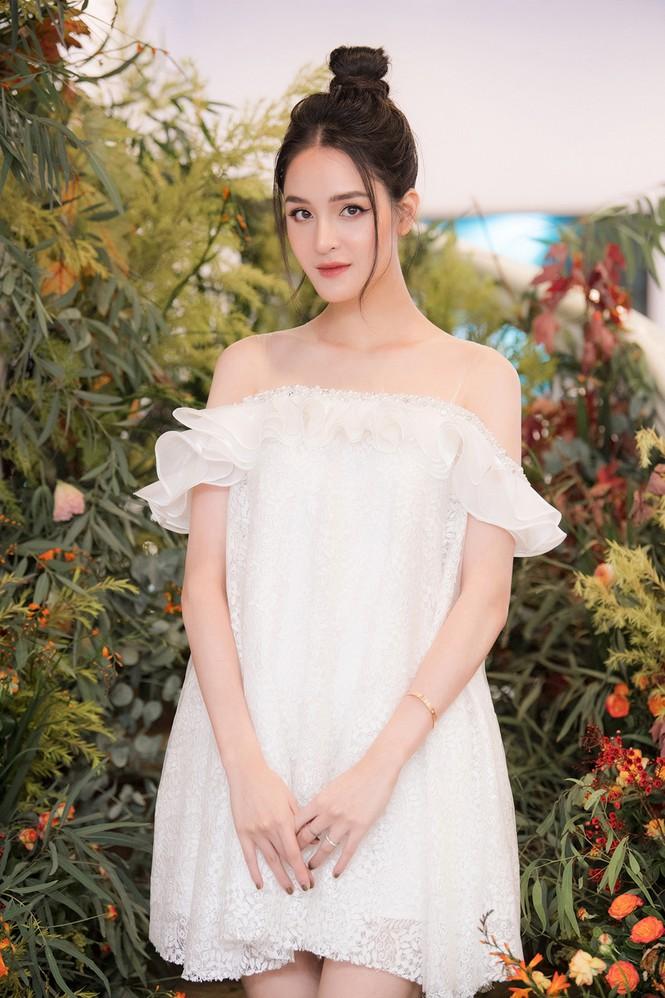 Top 3 HHVN 2012: Hoa hậu Đặng Thu Thảo và 2 á hậu đều có hôn nhân viên mãn - ảnh 16