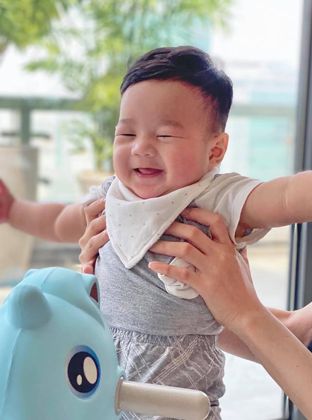 Top 3 HHVN 2012: Hoa hậu Đặng Thu Thảo và 2 á hậu đều có hôn nhân viên mãn - ảnh 6