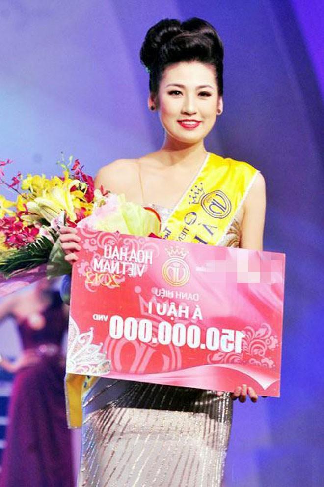 Top 3 HHVN 2012: Hoa hậu Đặng Thu Thảo và 2 á hậu đều có hôn nhân viên mãn - ảnh 7