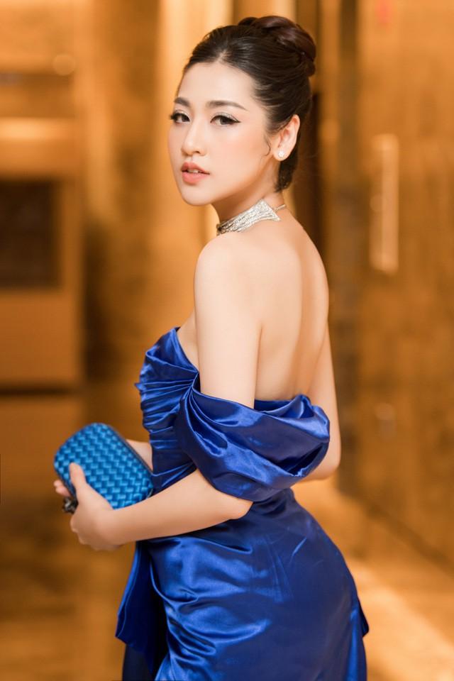 Top 3 HHVN 2012: Hoa hậu Đặng Thu Thảo và 2 á hậu đều có hôn nhân viên mãn - ảnh 8