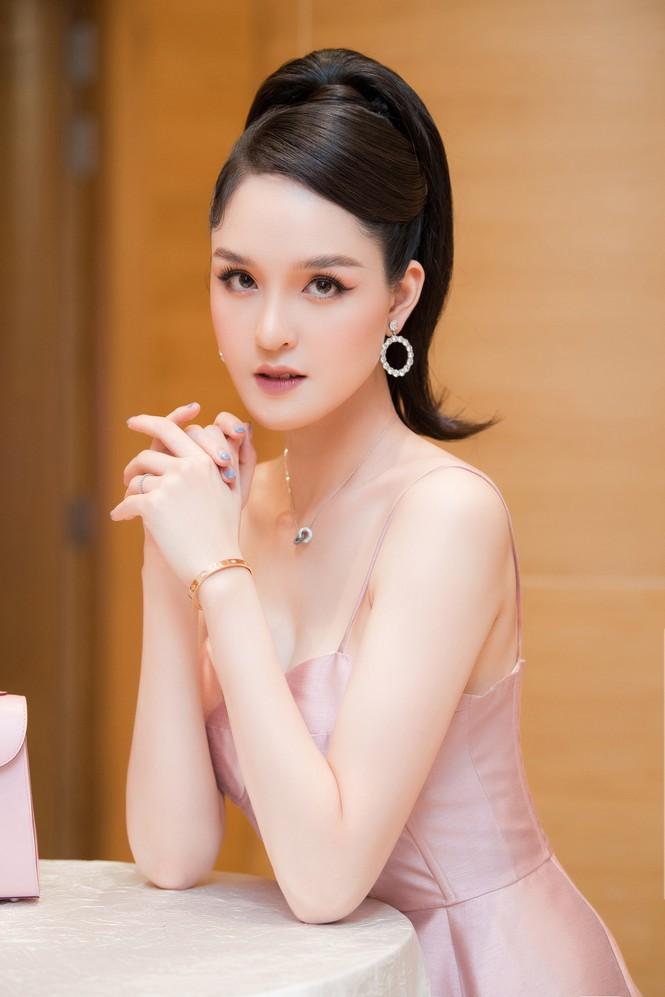 Top 3 HHVN 2012: Hoa hậu Đặng Thu Thảo và 2 á hậu đều có hôn nhân viên mãn - ảnh 17