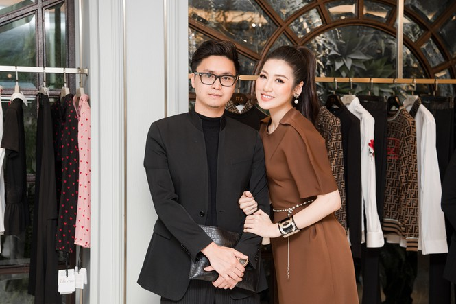 Top 3 HHVN 2012: Hoa hậu Đặng Thu Thảo và 2 á hậu đều có hôn nhân viên mãn - ảnh 11