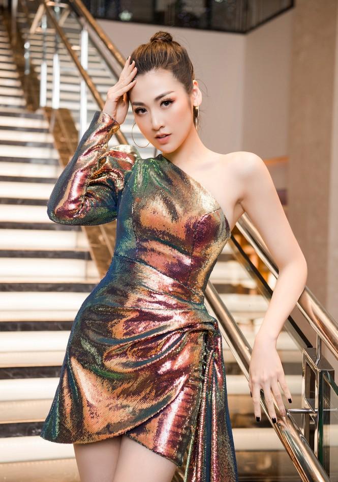 Top 3 HHVN 2012: Hoa hậu Đặng Thu Thảo và 2 á hậu đều có hôn nhân viên mãn - ảnh 9