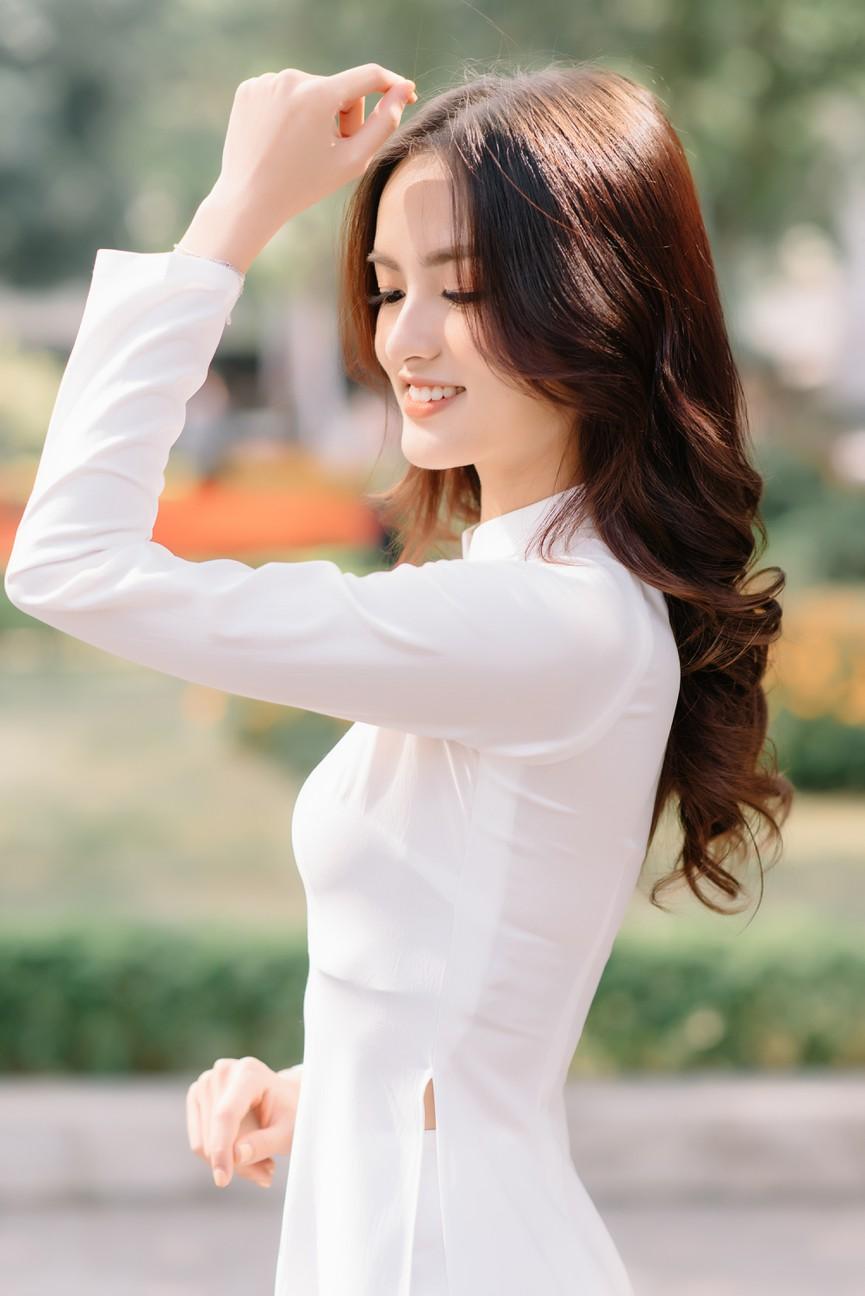 Hoa khôi Đại học Ngoại thương từng thi Hoa hậu Việt Nam 2020 giờ ra sao? - ảnh 4