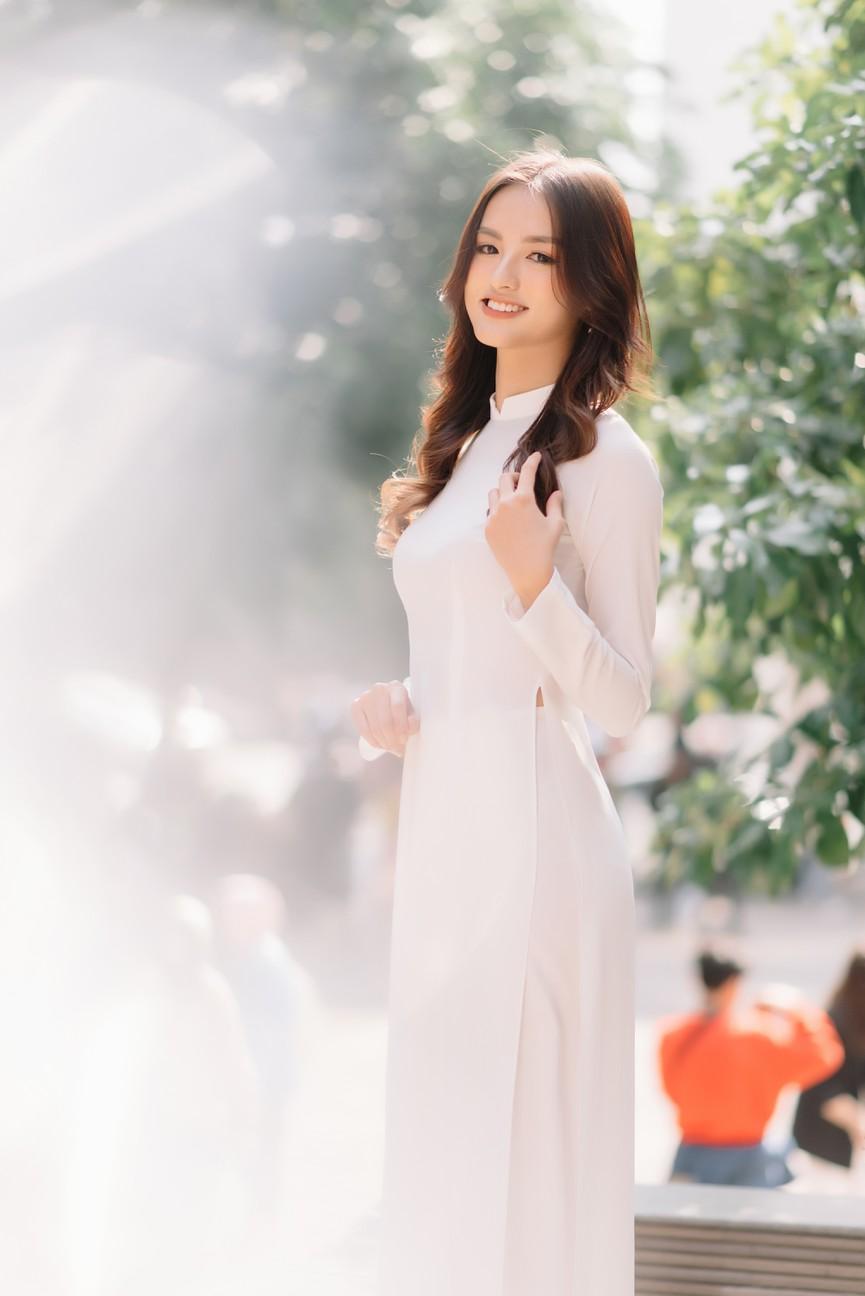 Hoa khôi Đại học Ngoại thương từng thi Hoa hậu Việt Nam 2020 giờ ra sao? - ảnh 7