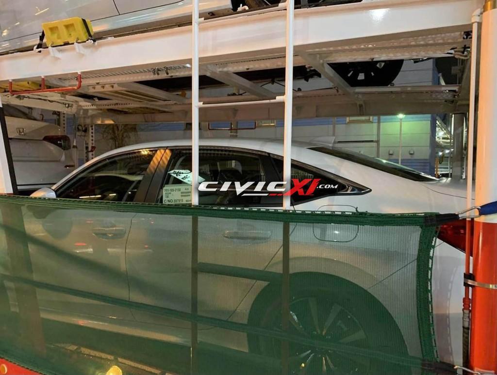 Lộ diện Honda Civic thế hệ mới bản sản xuất trên đường vận chuyển ảnh 4