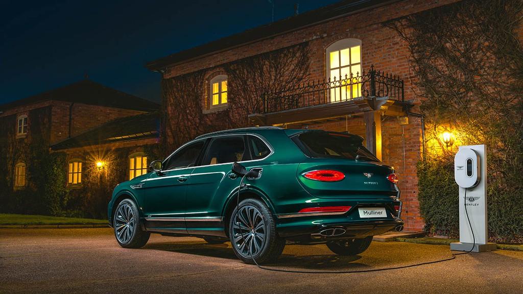 """Chiêm ngưỡng Bentley Bentayga Hybrid Mulliner màu """"Ngọc Lục Bảo"""" siêu đẹp! ảnh 2"""