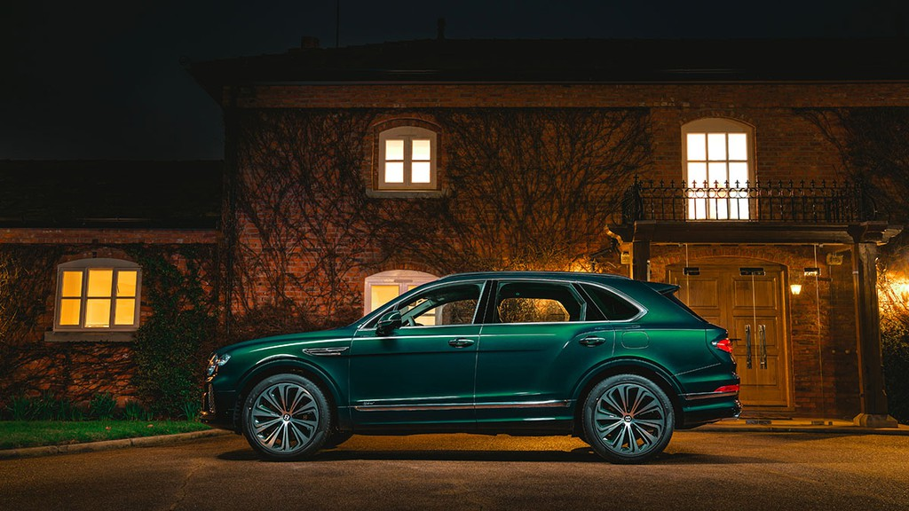 """Chiêm ngưỡng Bentley Bentayga Hybrid Mulliner màu """"Ngọc Lục Bảo"""" siêu đẹp! ảnh 3"""